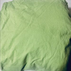 Twin sheet bright green,graphic detail great shape